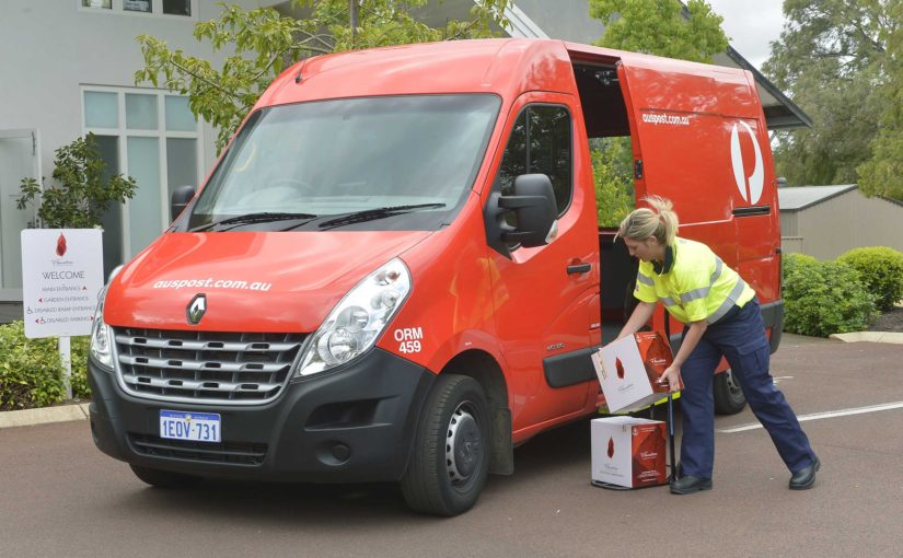 Australia Post in talks to become Amazon's Aussie Courier